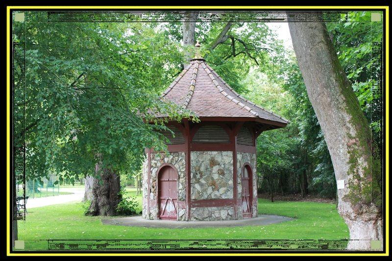 Le Jardin Botanique De Tours